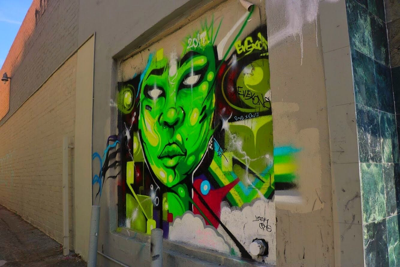 Street Art in LA - Alien